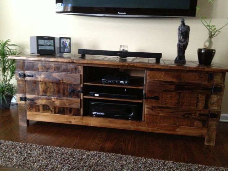 entertainment center out of pallets 3